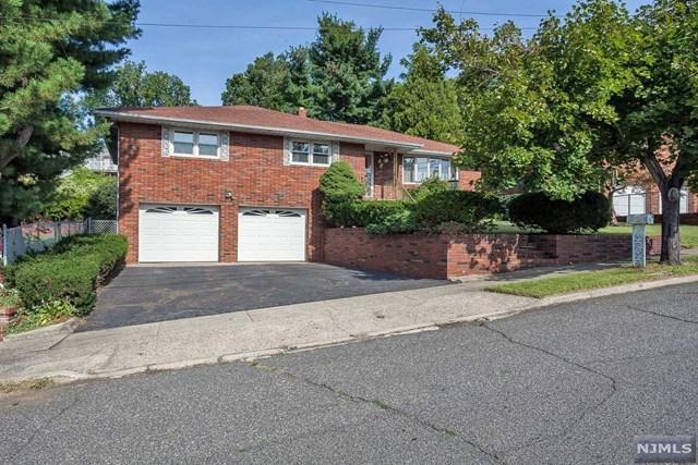 4 Peterson Rd, Totowa, NJ 07512 (MLS #1739318) :: The Dekanski Home Selling Team