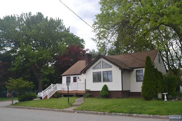 8 Plog Rd, Fairfield, NJ 07004 (MLS #1739482) :: The Dekanski Home Selling Team
