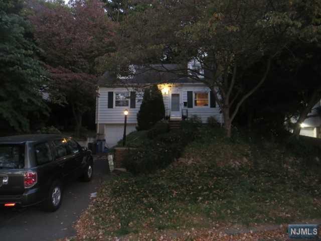 54 Engle St, Cresskill, NJ 07626 (#1739584) :: Group BK