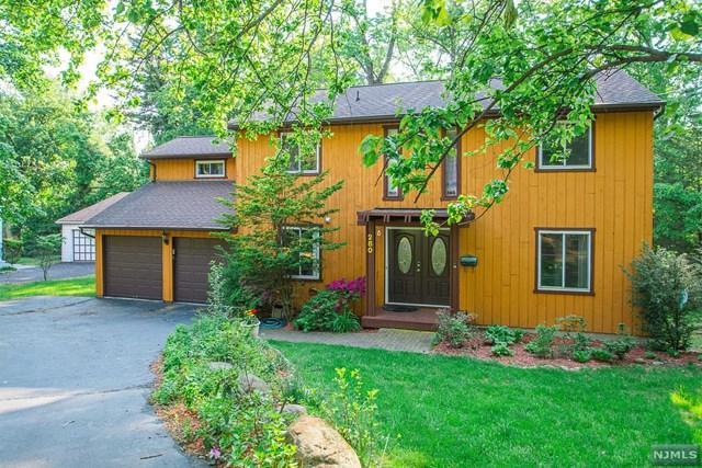 280 Park Ave, Park Ridge, NJ 07656 (MLS #1740071) :: The Dekanski Home Selling Team