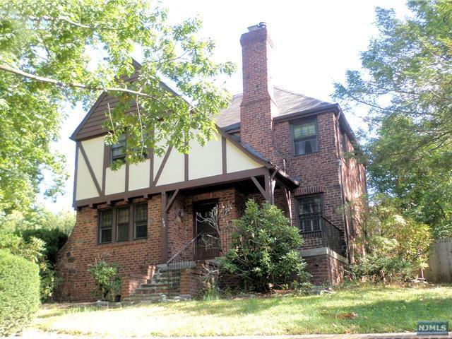155 Reldyes Ave, Leonia, NJ 07605 (MLS #1740200) :: William Raveis Baer & McIntosh