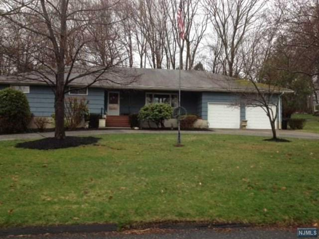 2 Thier Ln, Upper Saddle River, NJ 07458 (#1740334) :: RE/MAX Properties