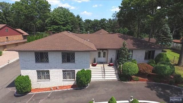24 Lookout Point Trl, Totowa, NJ 07512 (MLS #1740547) :: The Dekanski Home Selling Team