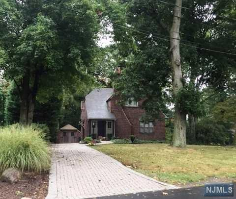 554 Summit Ave, Oradell, NJ 07649 (#1740619) :: RE/MAX Properties