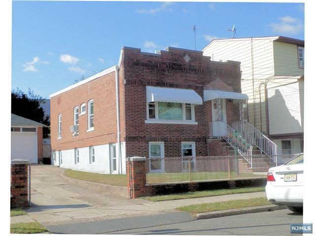 123 Sherman Pl, Garfield, NJ 07026 (MLS #1740737) :: The Dekanski Home Selling Team