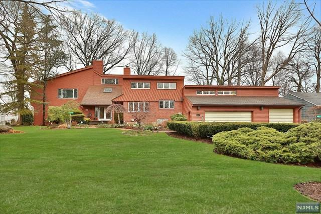 333 South Dr, Paramus, NJ 07652 (#1741166) :: RE/MAX Properties