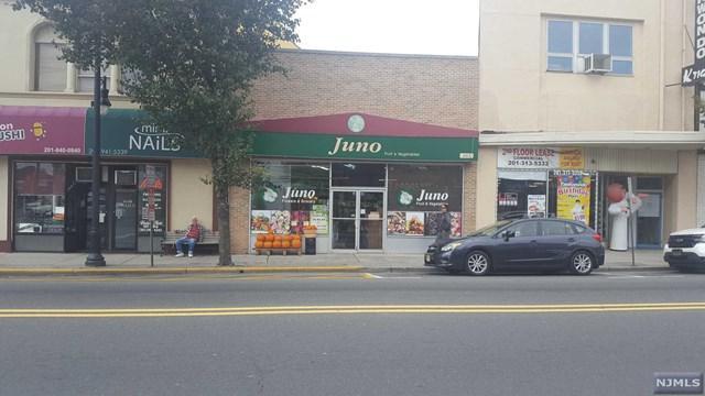 663 Anderson Ave, Cliffside Park, NJ 07010 (#1741274) :: Group BK