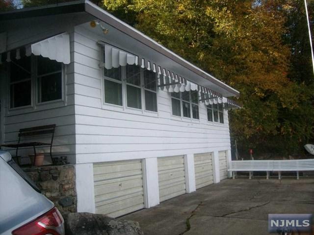 239 Squaw Trail, Hopatcong, NJ 07843 (MLS #1741404) :: William Raveis Baer & McIntosh