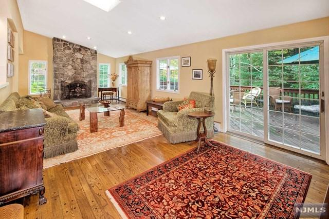 44 Old Stone Church Rd, Upper Saddle River, NJ 07458 (MLS #1741915) :: William Raveis Baer & McIntosh