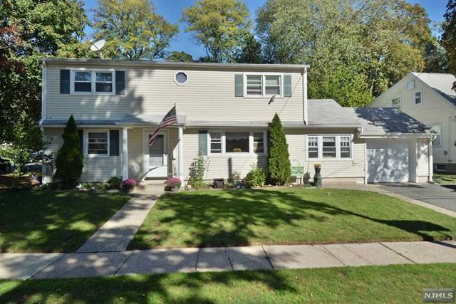 22 Woodland Cross, Westwood, NJ 07675 (MLS #1742352) :: The Dekanski Home Selling Team
