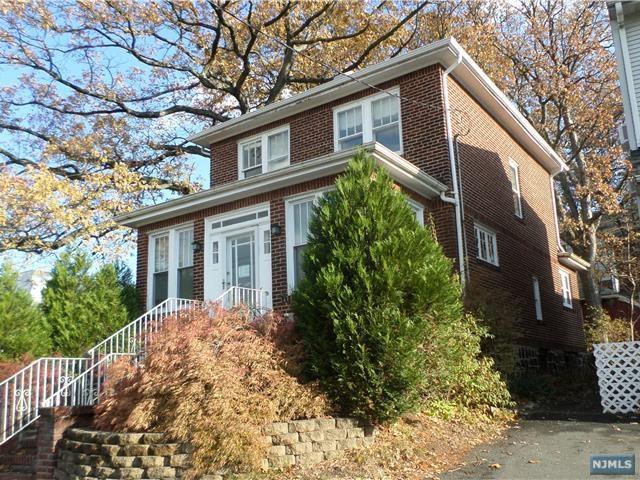 630 Bergen Blvd, Ridgefield, NJ 07657 (#1744621) :: Group BK