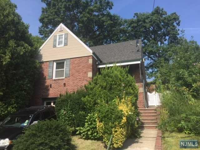 759 Kingsland Ave, Ridgefield, NJ 07657 (#1744684) :: Group BK