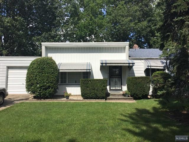 284 Van Saun Dr, River Edge, NJ 07661 (#1744984) :: RE/MAX Properties
