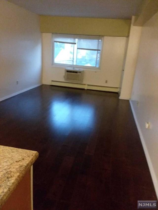333 Grand Ave 4T, Palisades Park, NJ 07650 (MLS #1745151) :: William Raveis Baer & McIntosh