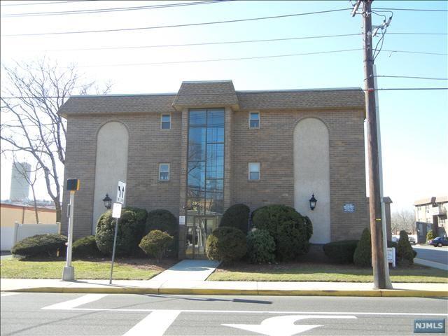 205 Bergen Tpke 2B, Ridgefield Park, NJ 07660 (#1745168) :: Group BK