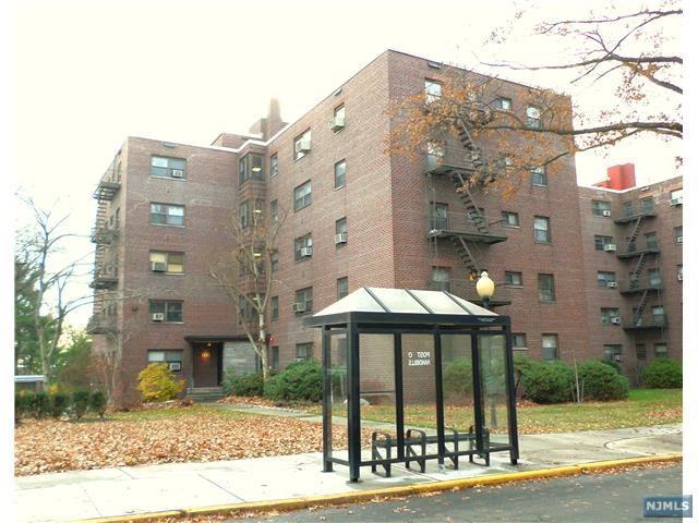 400 Fairview Ave 4B, Fort Lee, NJ 07024 (MLS #1745599) :: William Raveis Baer & McIntosh