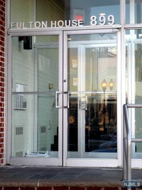 899 Boulevard East 6J, Weehawken, NJ 07086 (MLS #1745644) :: The DeVoe Group