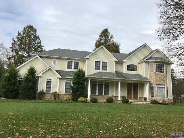 215 Birchwood Rd, Old Tappan, NJ 07675 (MLS #1745670) :: William Raveis Baer & McIntosh