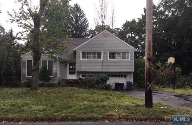 142 Laroche Ave, Harrington Park, NJ 07640 (MLS #1745762) :: William Raveis Baer & McIntosh