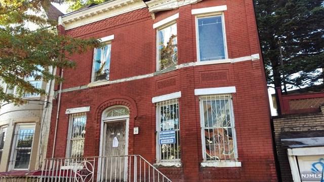 258 6th Ave, Newark, NJ 07107 (MLS #1745819) :: The DeVoe Group