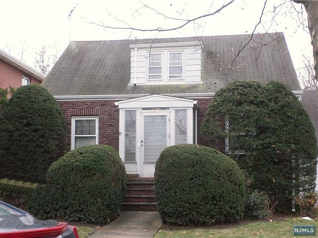 836 Elizabeth Street, Ridgefield, NJ 07657 (#1746203) :: Group BK