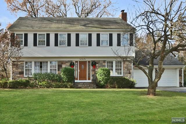 135 13th St, Cresskill, NJ 07626 (MLS #1747128) :: William Raveis Baer & McIntosh
