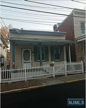 1452 37th Street, North Bergen, NJ 07047 (#1747920) :: Group BK