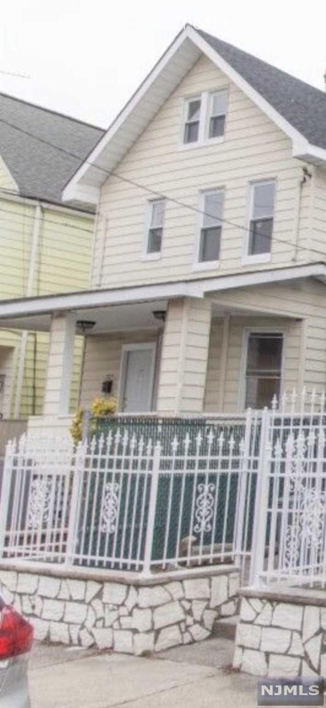 377-379 E 33rd Street, Paterson, NJ 07504 (MLS #1748163) :: William Raveis Baer & McIntosh