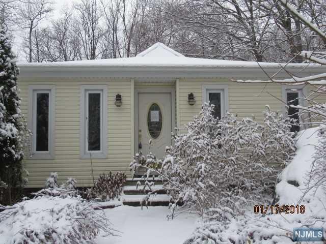 102 Valley View Drive, Rockaway Township, NJ 07866 (#1801984) :: Group BK