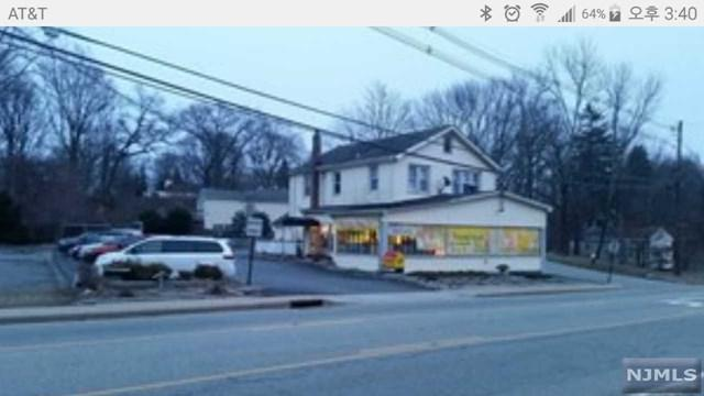 17 Lakeside Boulevard, Hopatcong, NJ 07843 (MLS #1802721) :: William Raveis Baer & McIntosh