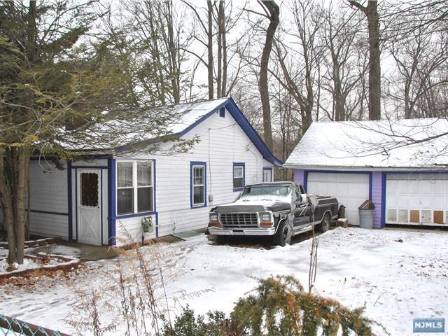 22 Cottage Lane, Upper Saddle River, NJ 07458 (#1804191) :: RE/MAX Properties