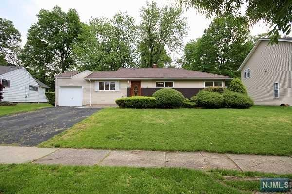 192 Cherry Lane, River Edge, NJ 07661 (#1804412) :: RE/MAX Properties