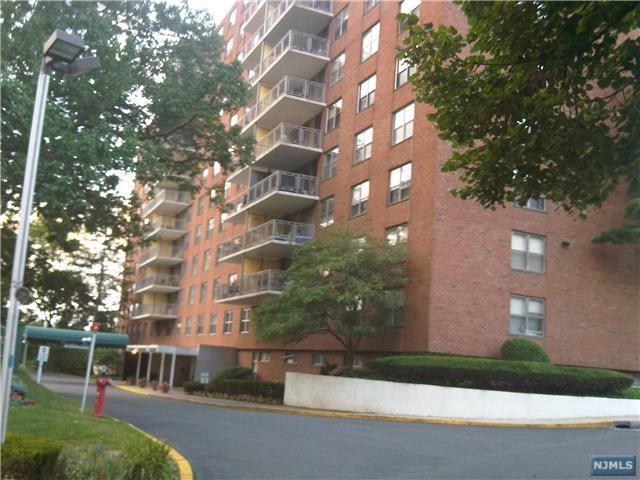 301 Beech Street 11B, Hackensack, NJ 07601 (#1805844) :: RE/MAX Properties