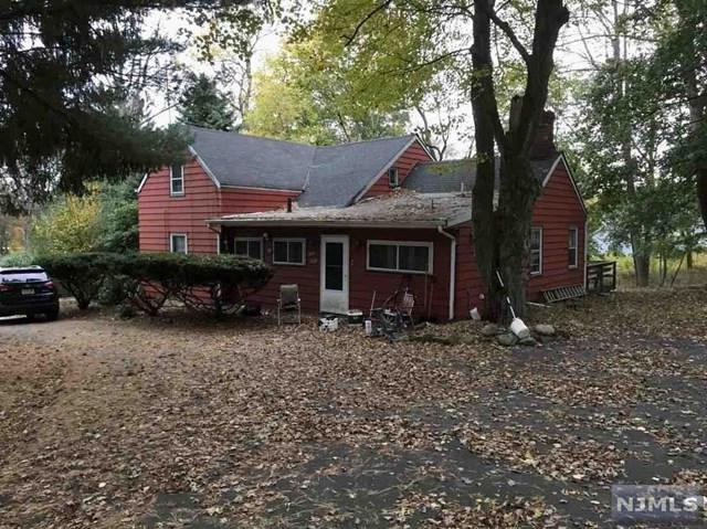 300 Cedar Hill Avenue, Wyckoff, NJ 07481 (#1806201) :: RE/MAX Properties