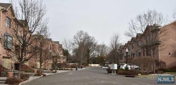 11 Stonebrook Court #11, Harrington Park, NJ 07640 (MLS #1806216) :: William Raveis Baer & McIntosh