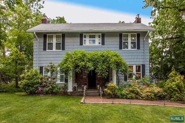 110 Woodridge Place, Leonia, NJ 07605 (MLS #1806314) :: William Raveis Baer & McIntosh
