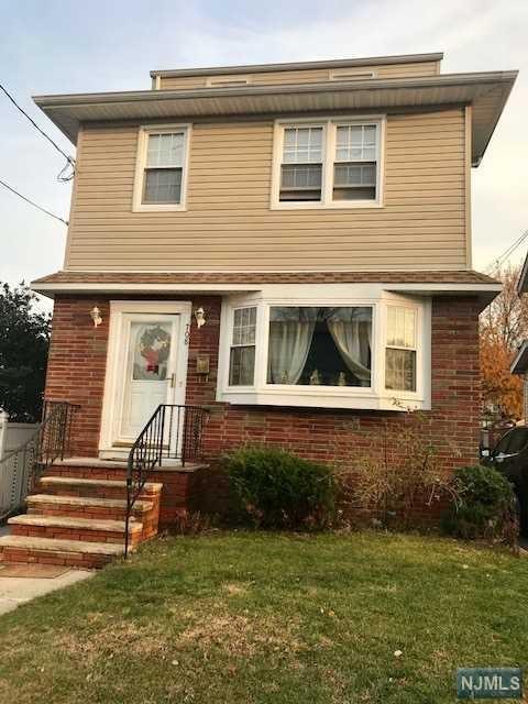 708 6th Street, Lyndhurst, NJ 07071 (#1806359) :: RE/MAX Properties