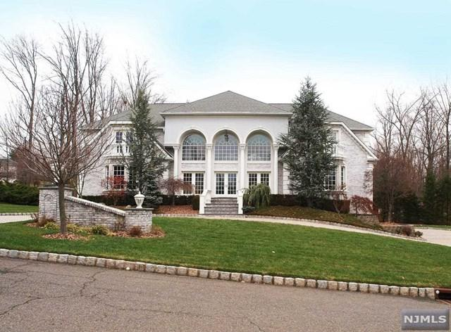 1 Emerald Woods Court, Upper Saddle River, NJ 07458 (MLS #1808977) :: William Raveis Baer & McIntosh