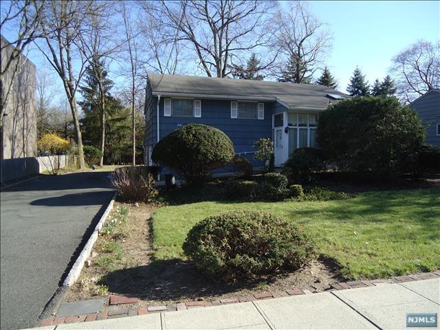 641 Westwood Avenue, River Vale, NJ 07675 (#1809192) :: Group BK