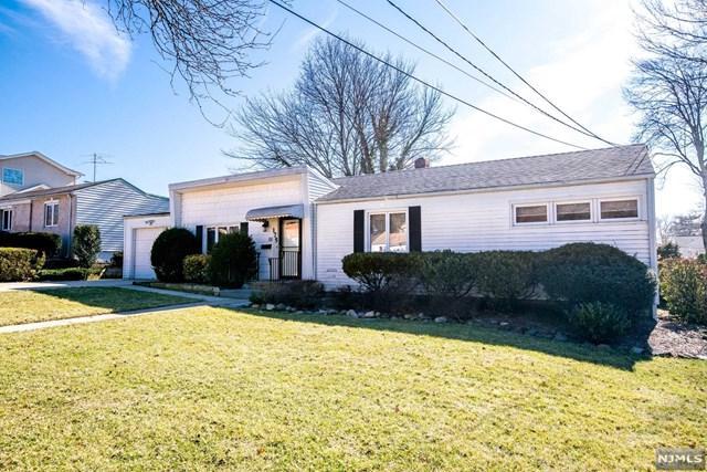 175 Lozier Terrace, River Edge, NJ 07661 (#1809510) :: Group BK