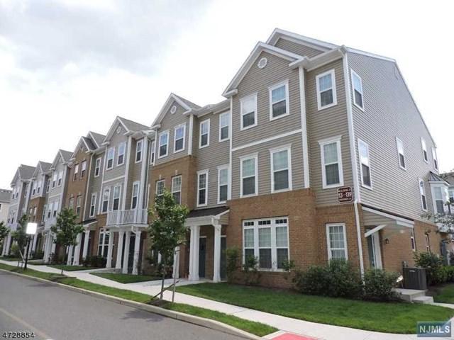 133 Eisenhower Lane, Wood Ridge, NJ 07075 (#1809761) :: Group BK