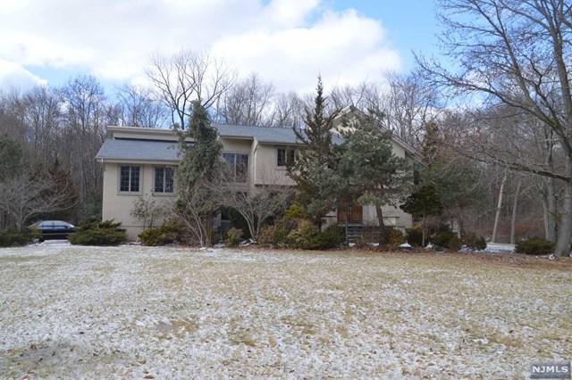 325 Westwind Court, Norwood, NJ 07648 (MLS #1810043) :: William Raveis Baer & McIntosh
