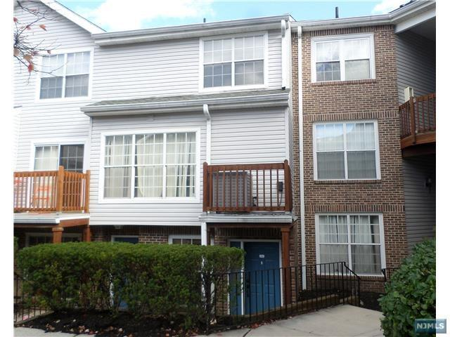 448 Lee Court #4229, Fort Lee, NJ 07024 (#1810196) :: Group BK