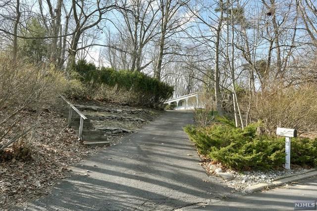 61 Hillcrest Drive, Upper Saddle River, NJ 07458 (MLS #1814328) :: William Raveis Baer & McIntosh