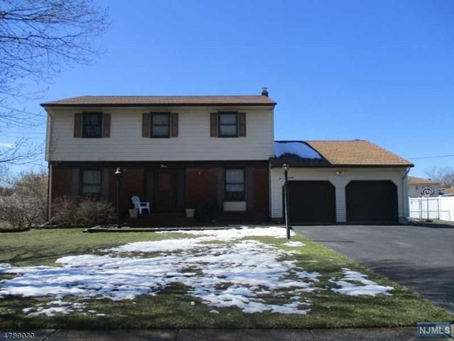 9 Briarwood Drive, Fairfield, NJ 07004 (MLS #1814478) :: William Raveis Baer & McIntosh