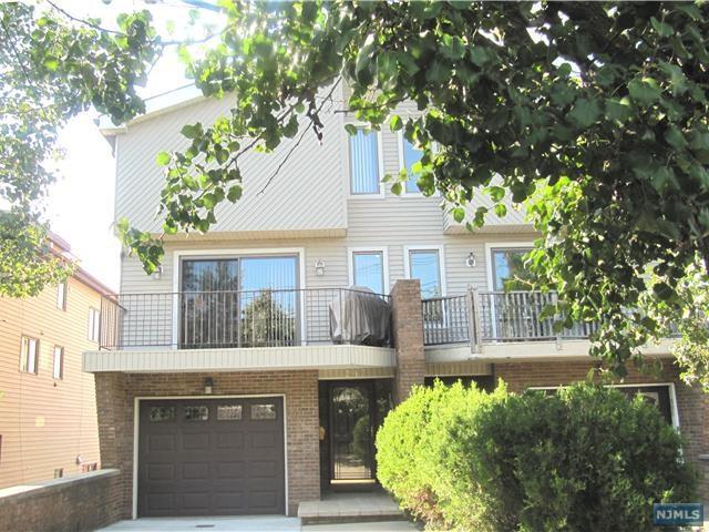 213 12th Street, Palisades Park, NJ 07650 (MLS #1814516) :: William Raveis Baer & McIntosh