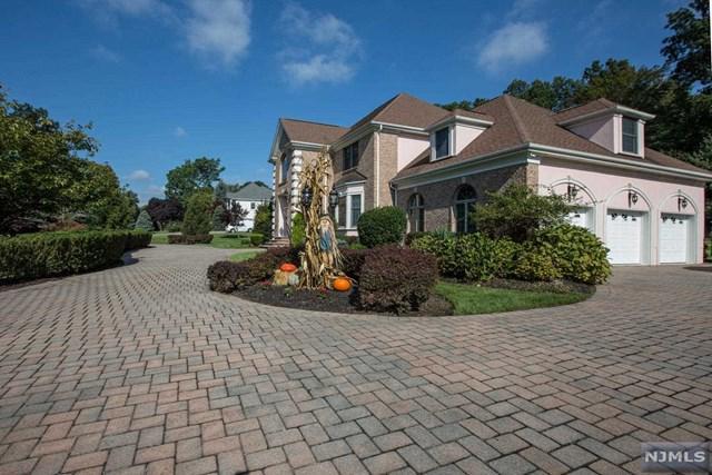 14 Corrigan Way, Old Tappan, NJ 07675 (MLS #1814619) :: William Raveis Baer & McIntosh
