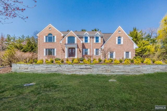 15 Corn Mill Court, Upper Saddle River, NJ 07458 (MLS #1814637) :: William Raveis Baer & McIntosh