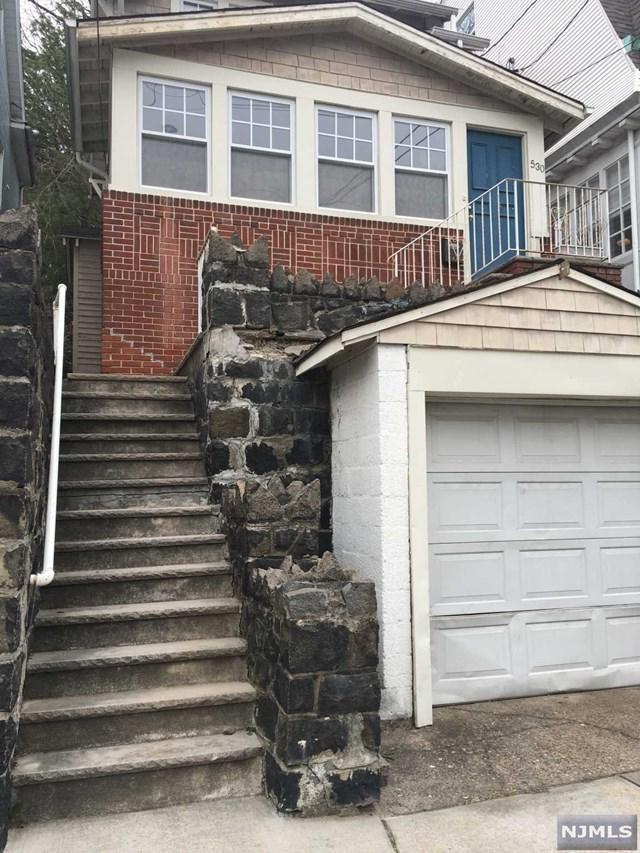 530 Undercliff Avenue, Edgewater, NJ 07020 (MLS #1815048) :: William Raveis Baer & McIntosh