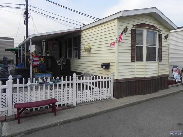 28 Helen Street, Moonachie, NJ 07074 (MLS #1818852) :: William Raveis Baer & McIntosh